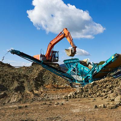 Erdbau Schotter Kies Sand Humus Erdarbeiten Schottergrube Aushub Deponie Bagger LKW Transport Lader