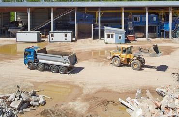 Bauschuttsortieranlage Bauschutt Abbruch LKW Lader