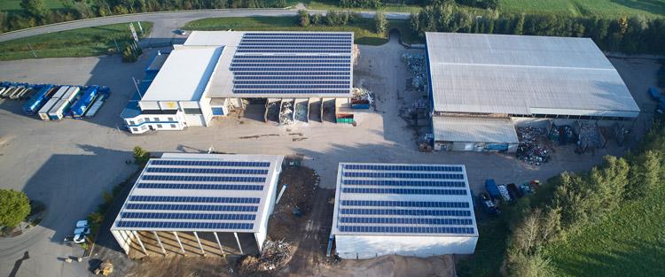 Energie Umweltbewusstsein Photovoltaik Anlage Nachhaltigkeit Fernwärme Fernwärmewerk wiederverwertbare Materialien